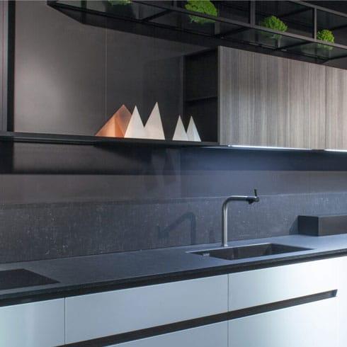 Veined Africa Style Quartzforms Kitchen Worksurface